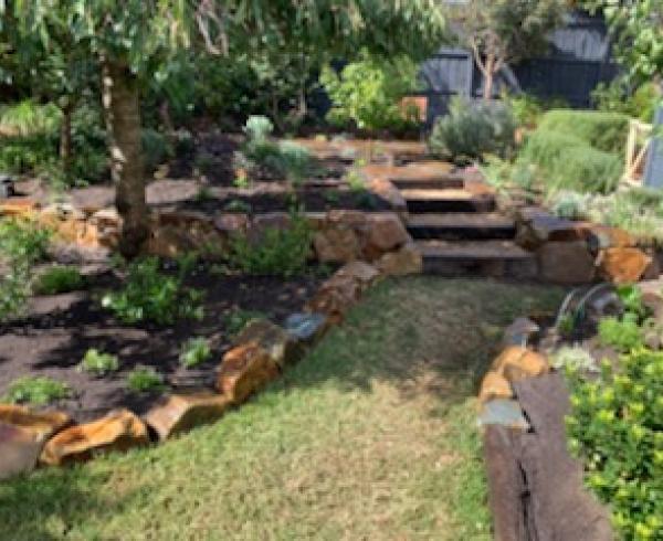 Bentleigh backyard rockwork